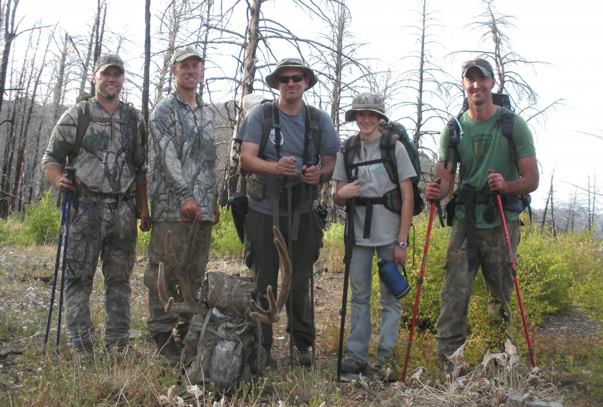 Group with Tom's 2012 archery buck - Copy.JPG