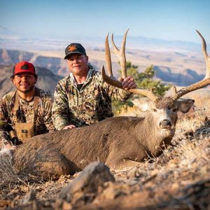 Arizona Trophy Muley with Big Chino Outfitters.jpg