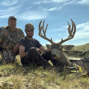 wyoming-archery-mule-deer-hunting.jpg
